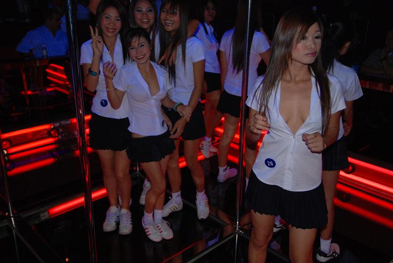 Работа в тайланде девушек работа для девушки 17 лет владивосток